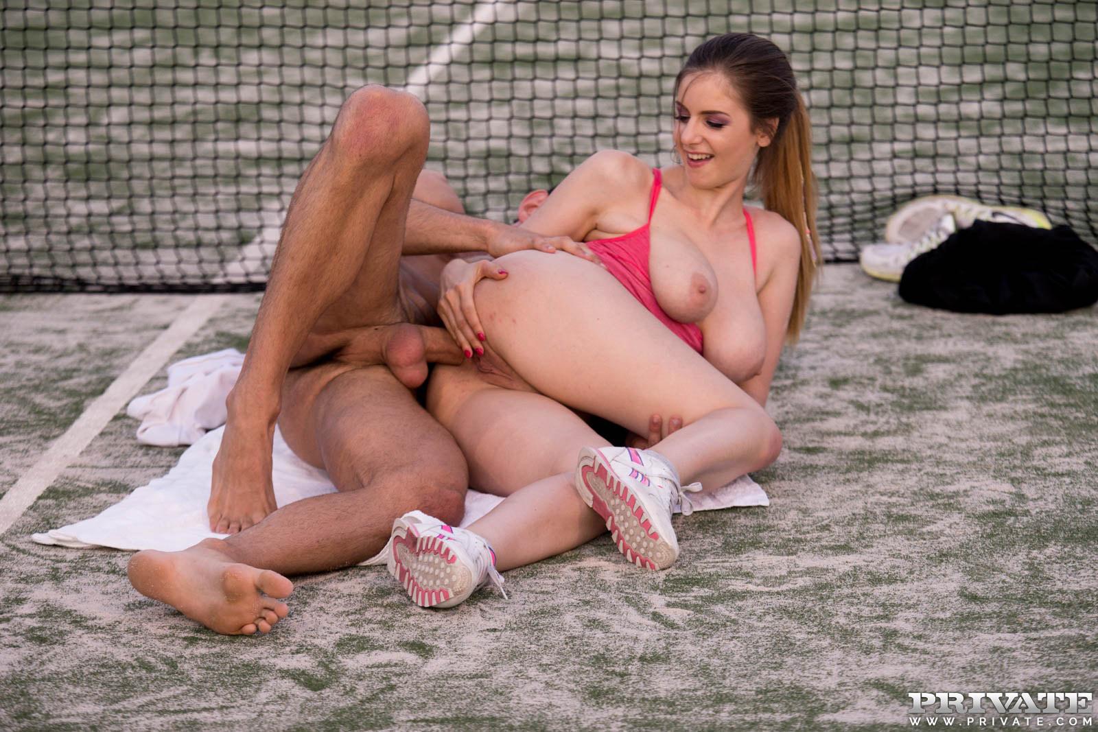 dlinnonogaya-voleybolistka-seks