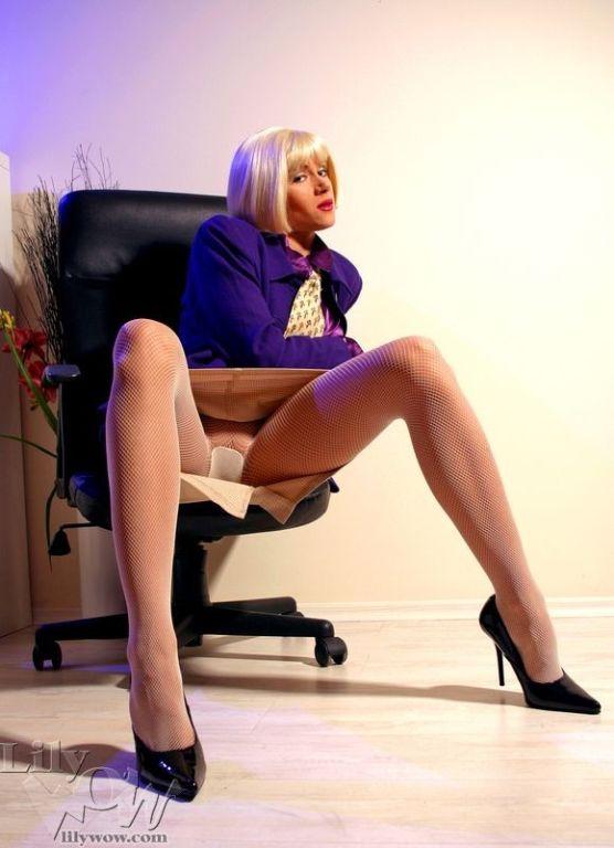 Lily wow ножки в колготках порно фото