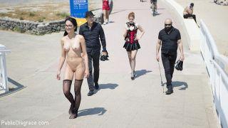 Francys Belle brazilian bdsm submissive is public