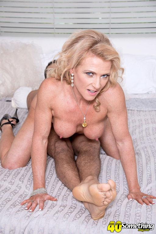 Amanda Verhooks teasing and fucking