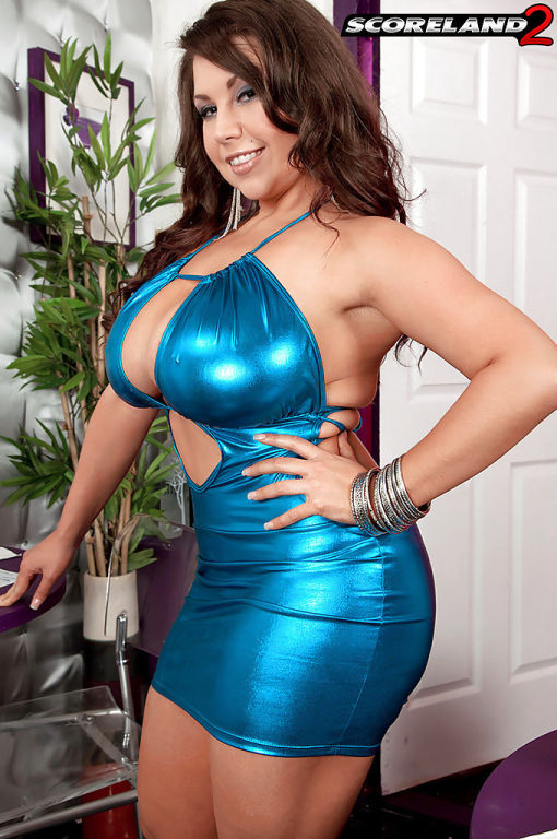 Big tits brunette MILF Sheridan Love fingering her
