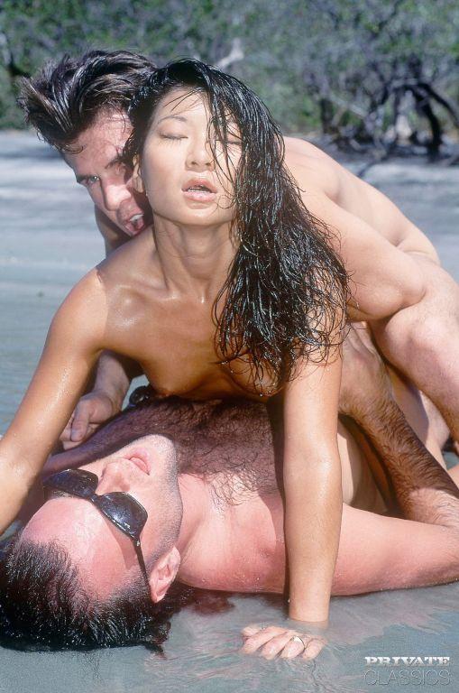 Vintage asian pornstar Zana Sun dobule fucked on b