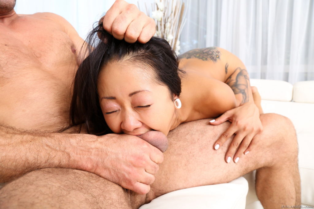 Asian Saya Song wants to learn to squirt