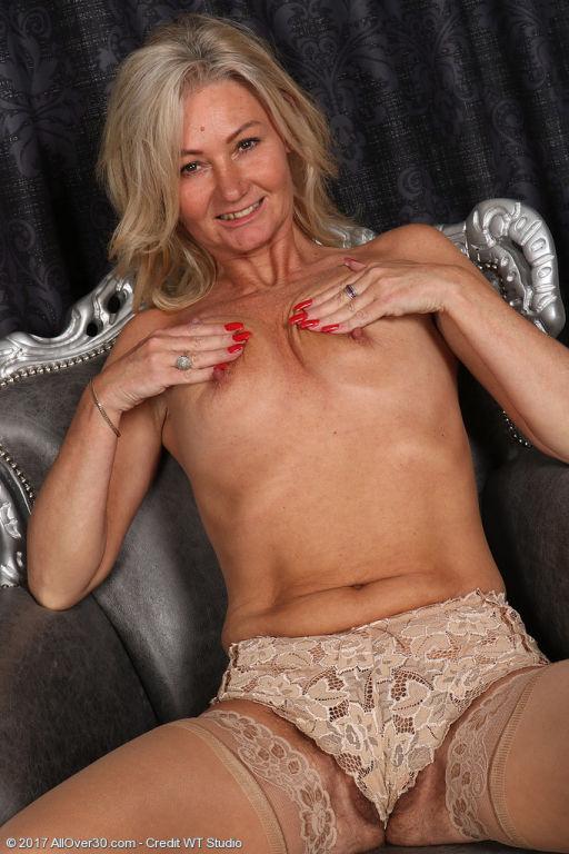 Blonde mature Ellen B