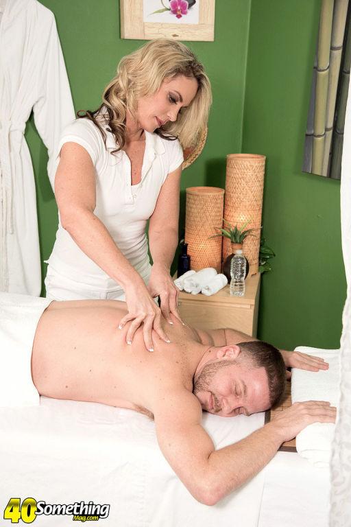Blonde mature Sydney getting massaging and fucking