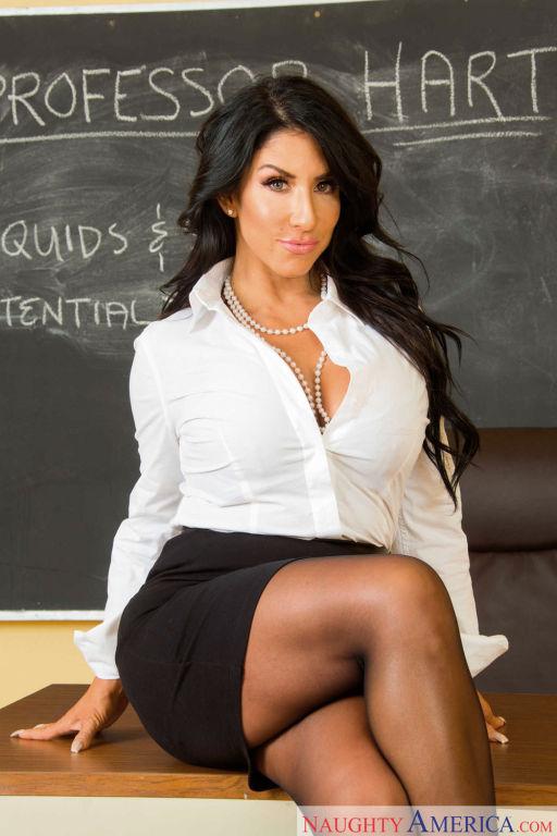 Teacher Raven Hart fucks her favorite student in t