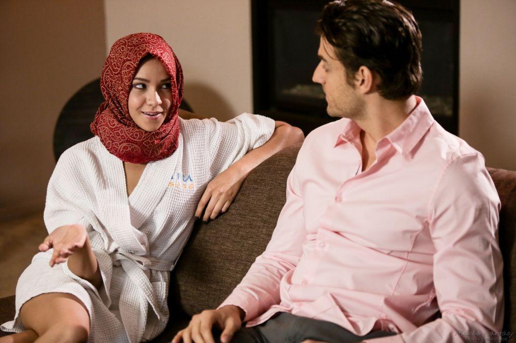 his Arabic masseuse Cadey Mercury is wearing a hea