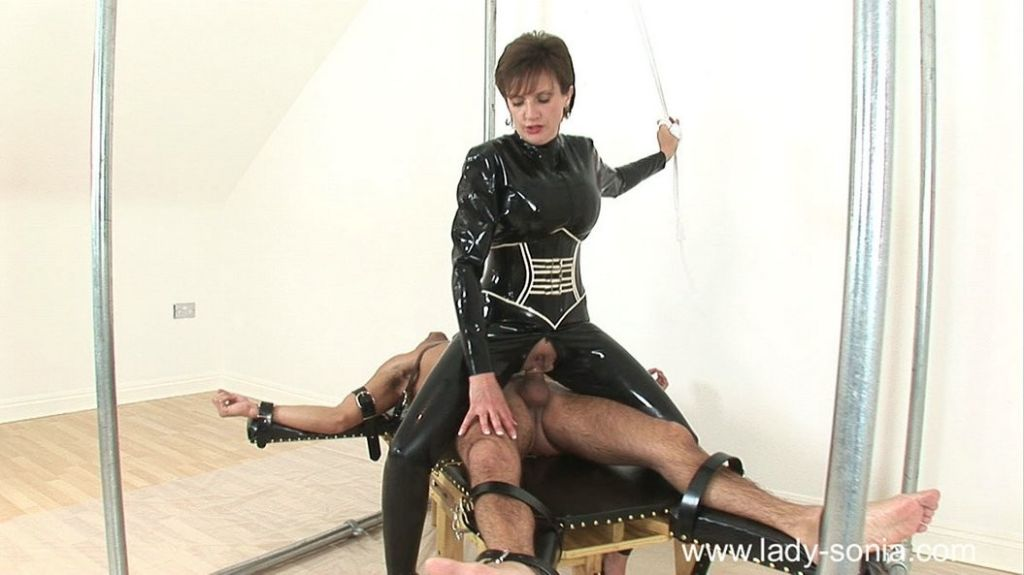 Femdom queen Lady Sonia punishes her slave