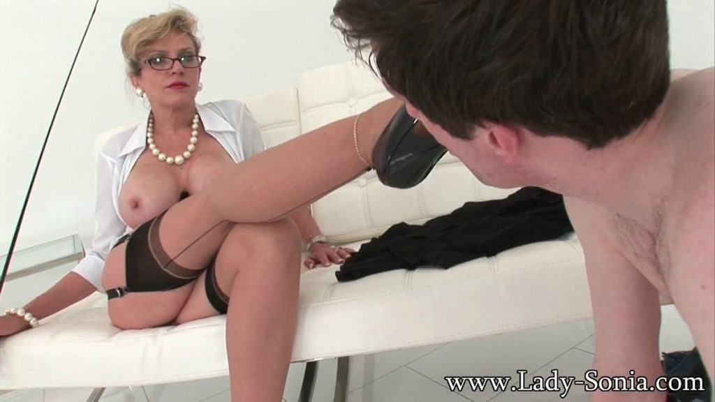 Hot femdom Lady Sonia makes poor guy worship her l