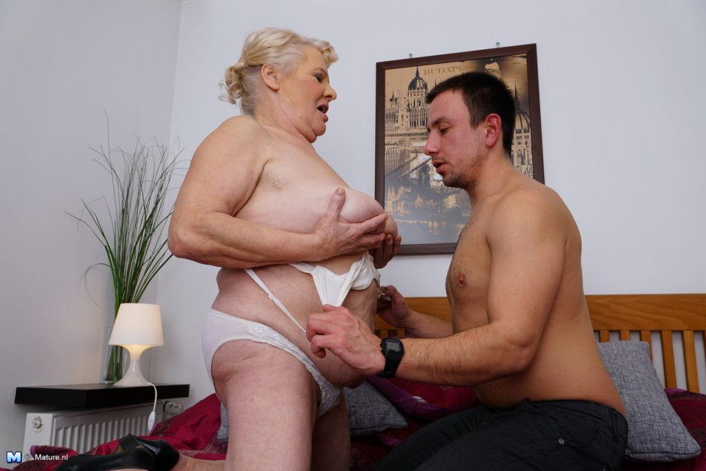 Chubby euro mature woman fucked in hardore porn pi