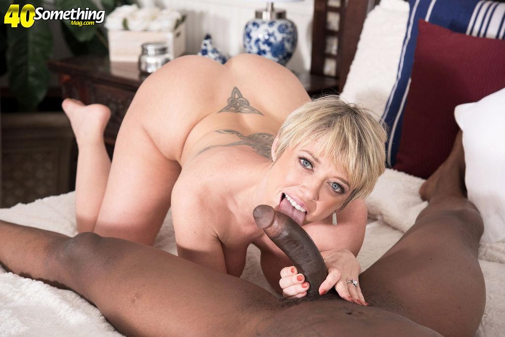 40yearold wife Dee Williams likes interracial sex