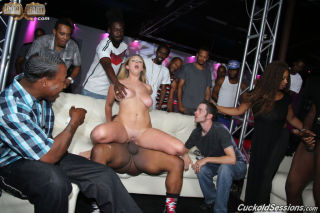 sexy Brooke White blowjob hardcore