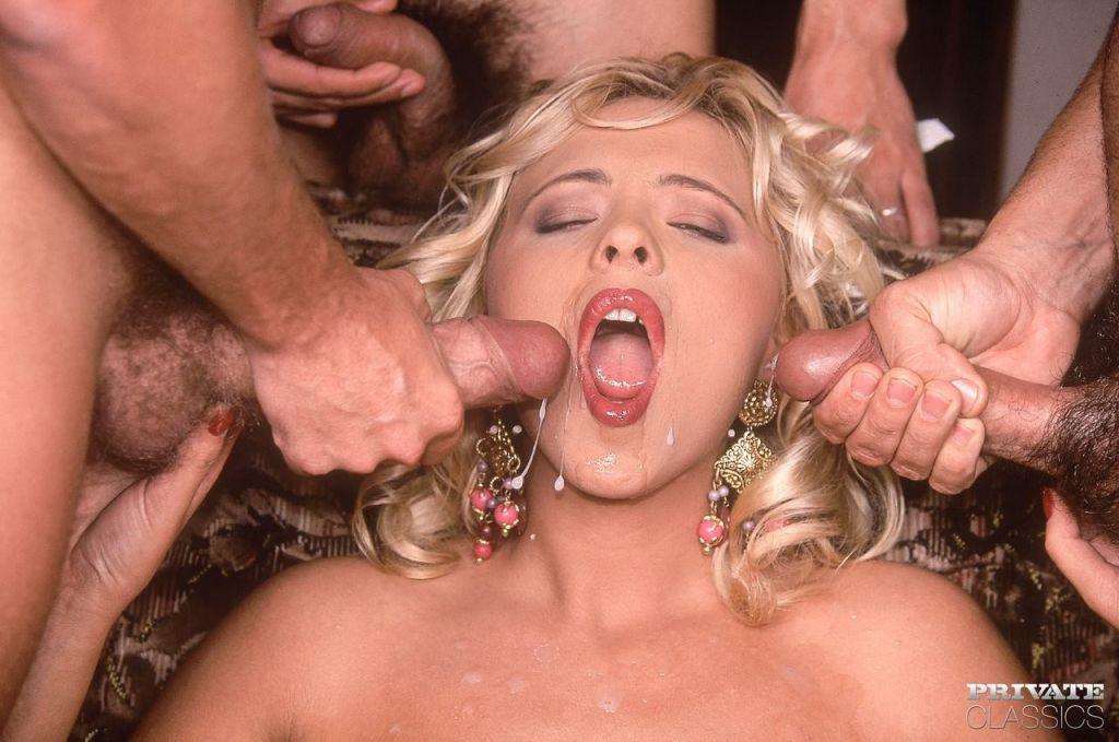 Blonde pornstar Victoria getting a rough DP in vin