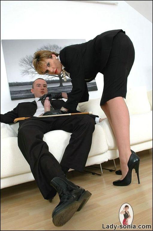 Office mature slut pleasure new boss