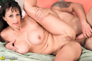 Mature woman Tori Dean seduces a way younger man f