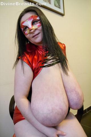 Alice 85JJ Huge Big Boobs Suprise