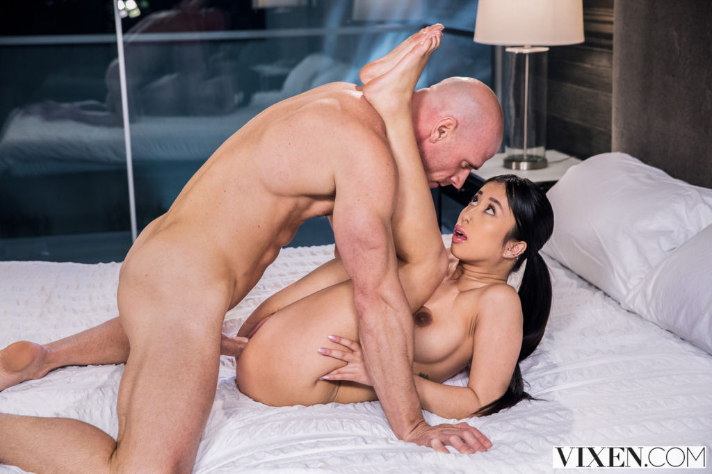 Jade Kush jamming her neighbors dick into her mout