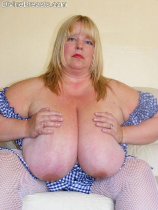 Kelly BBW Busty Brit
