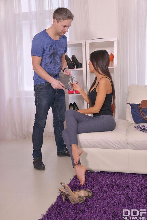Taste Of Pantyhose: Nylon Lover Cums On Latina's S