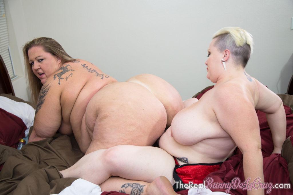 BIg Booty BBW Lesbians Bunny De la Cruz
