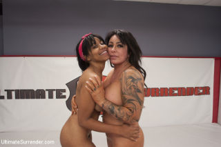 Latina MILF Simone Garza vs Young Orgasmic Jenna F