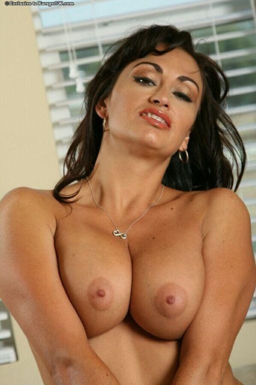 Claudia Valentine busty darkhaired milf shows a pu