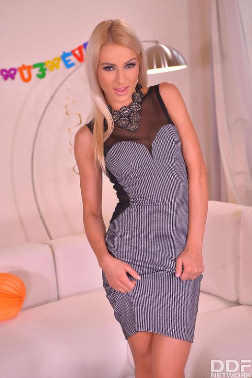 Serbians get Sexy - Lesbians Private XXX NYE Affai