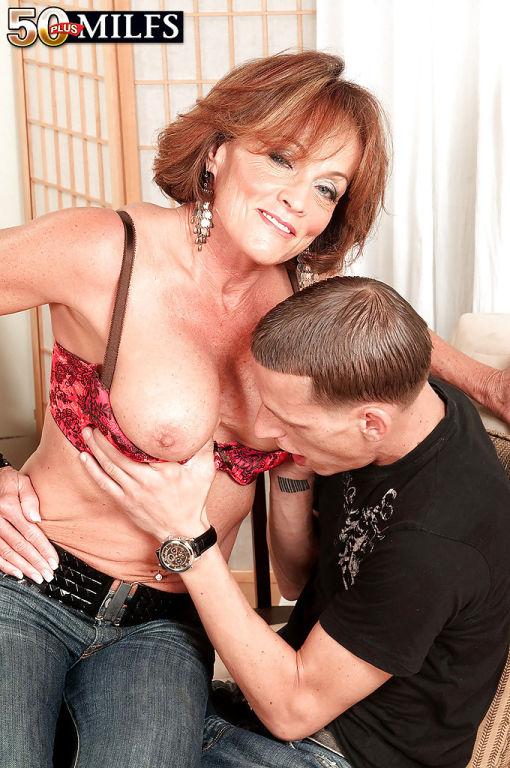 Slutty mature wife with big tits Riley Wayne fucki