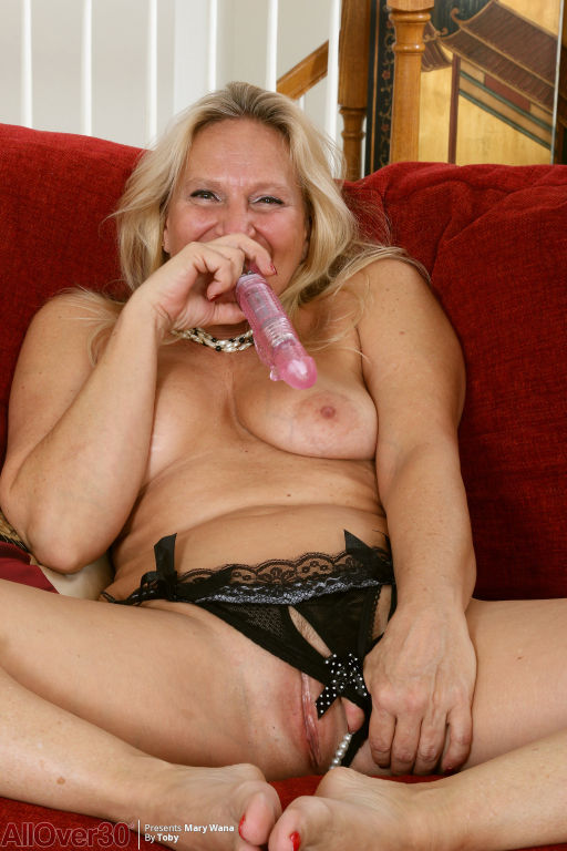 Mary Wana Mature Sensuality