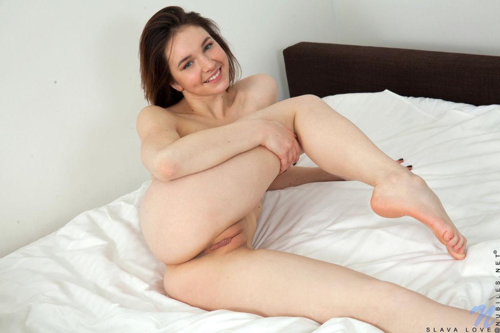 Slava Love masturbate alone in the bedroom