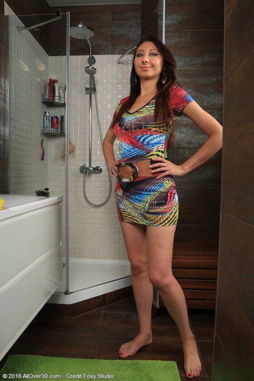 Sexy Margo in the shower