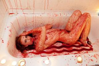 Hot teen girl Rose Belford having fun in her bath