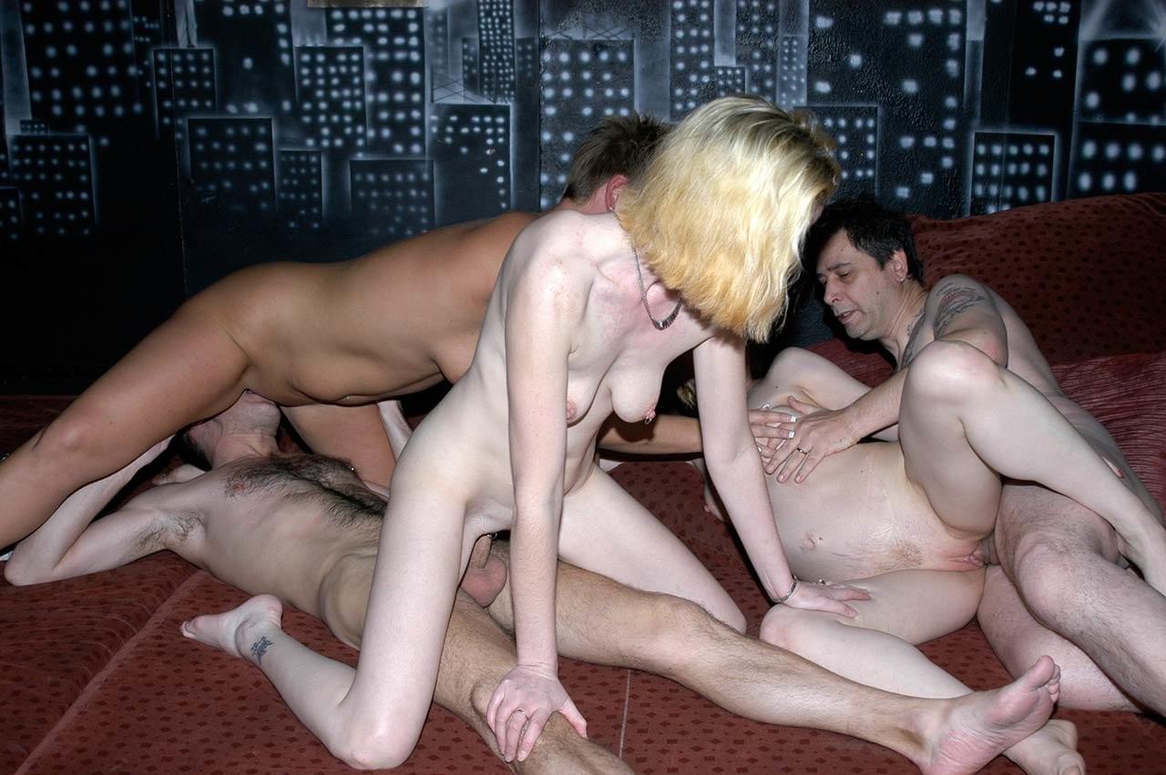 кажется что секс молодых русских свингеров видео внутрь проститутки