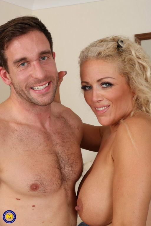 Hot blonde MILF Rebecca Jane Smythe fooling around