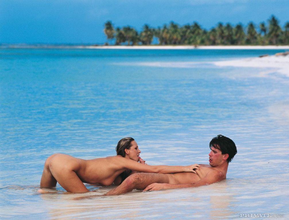 Huge nude blonde Mandy Bright enjoys anal sex in s