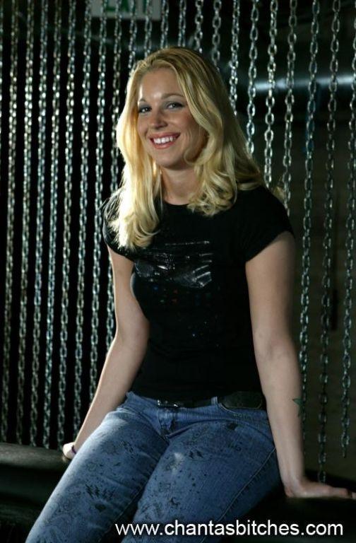Sexy bodied slave blonde Hollie Stevens is a lesbi