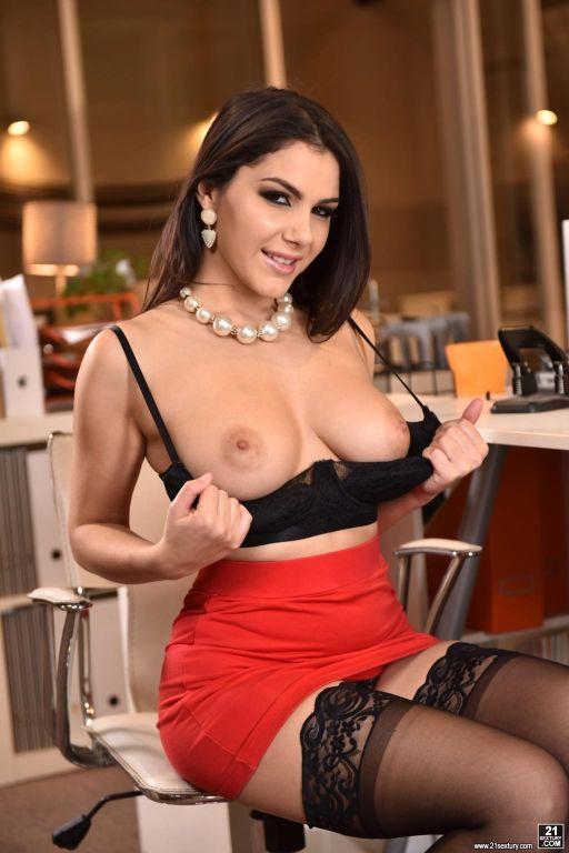 Valentina Nappi in Office Overtime