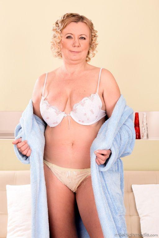 Grannie's Panties #03, Scene #03