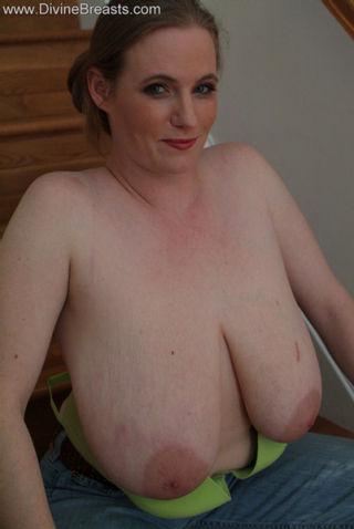Ann Pink Big Boobs Nipples