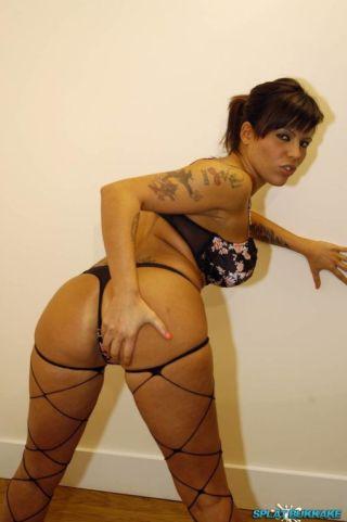 sexy Scarlett March group sex gangbangs