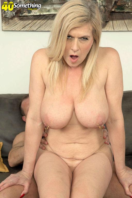 Big titted German mature woman Marina Rene sucking
