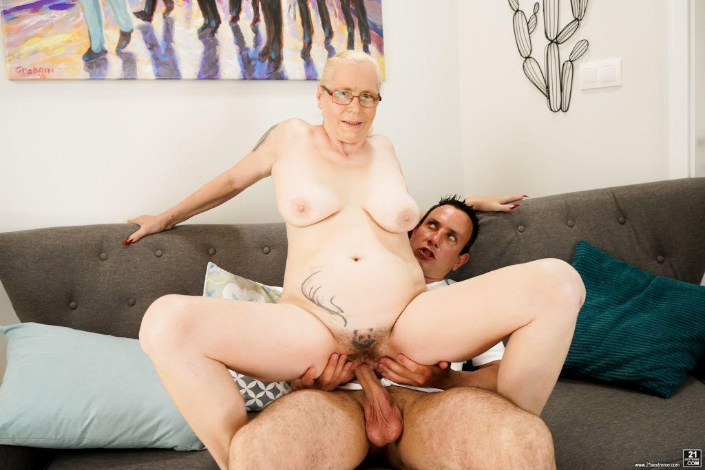 The stunning and horny grandma, Violett, returns f