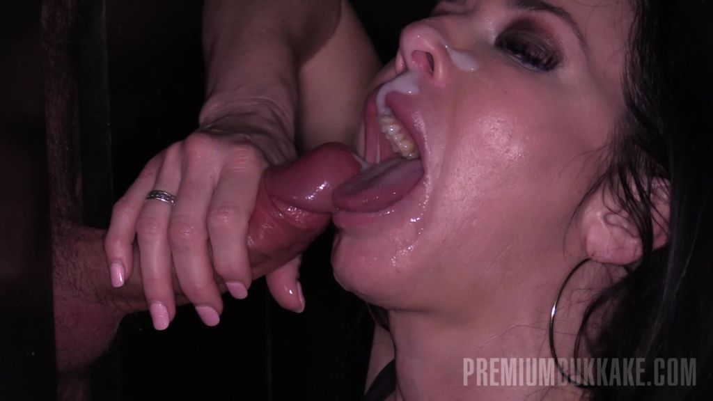 Veronica went for some anonymous cumshots