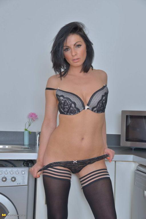 MILF Roxanne Cox spreading in black stockings