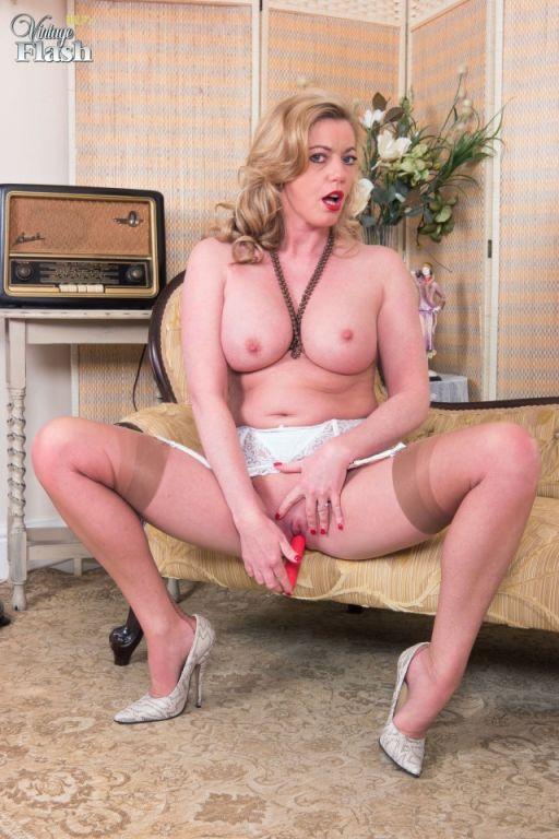 Holly Kiss in retro lingerie and gartered FF nylon