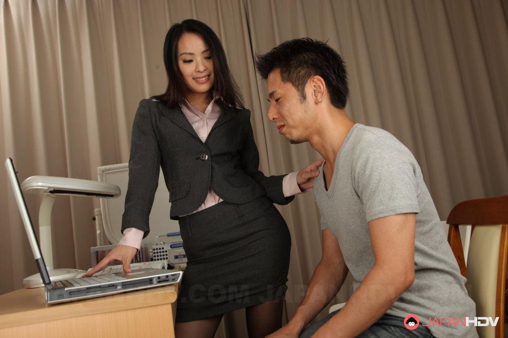 Ichika Aimi is a nasty teacher