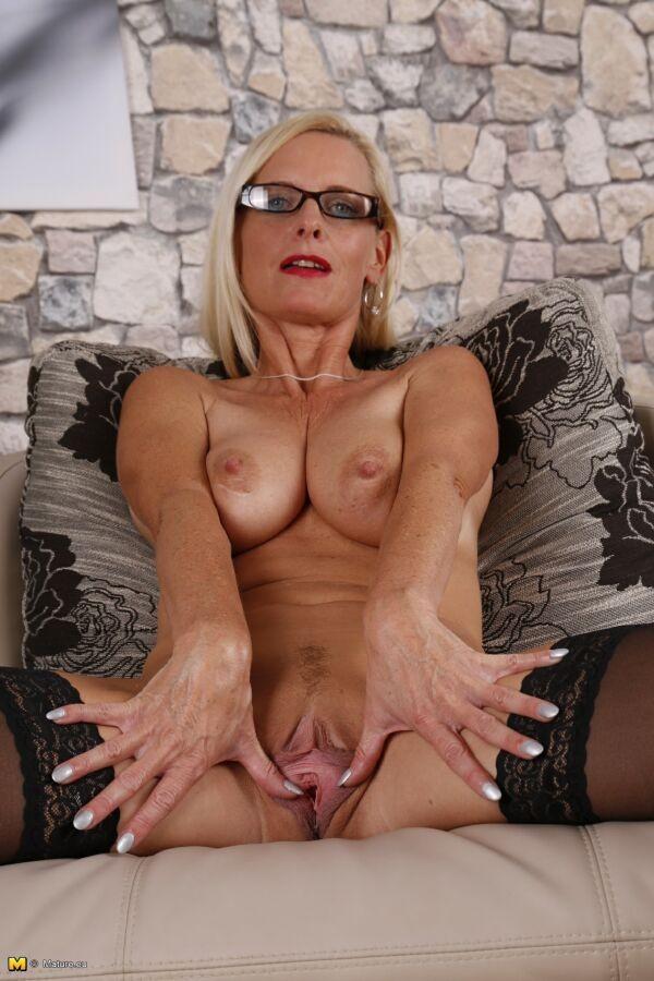 Tina Milf