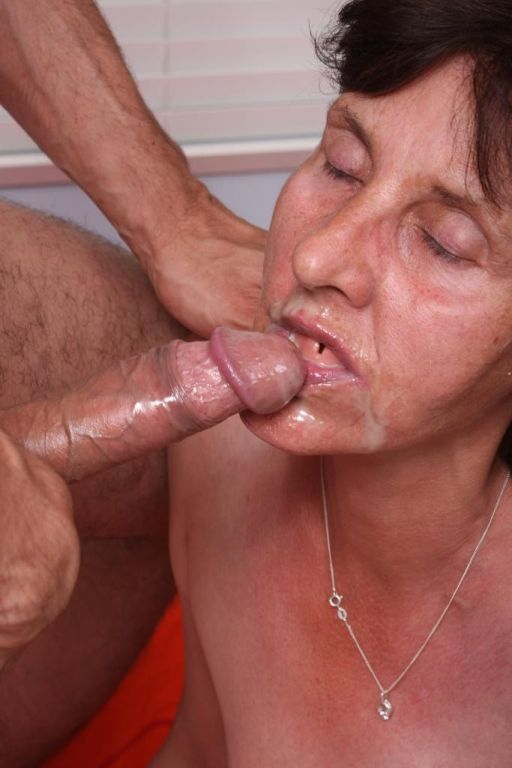Old granny whore getting a hard cock in her old wr