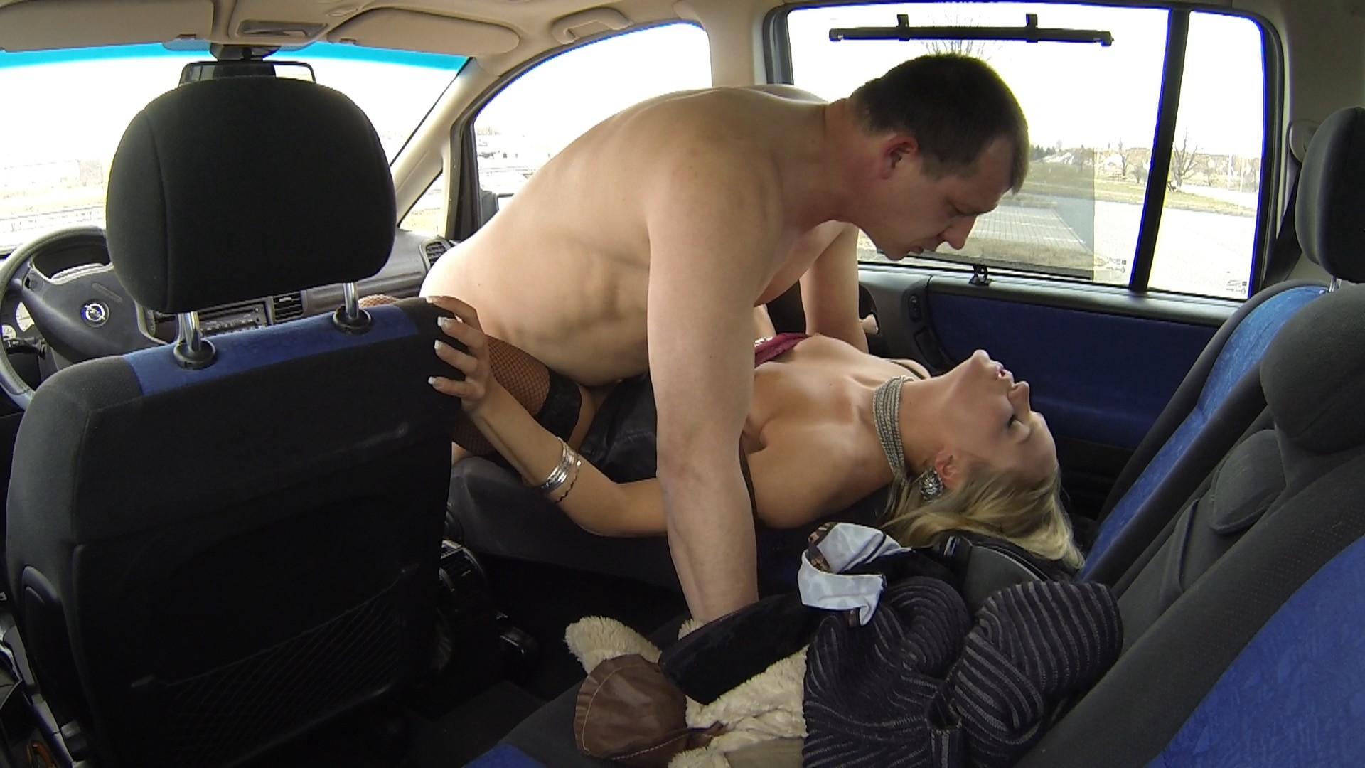 эротических жесткое порно в машине онлайн присаживаюсь деревянный табурет