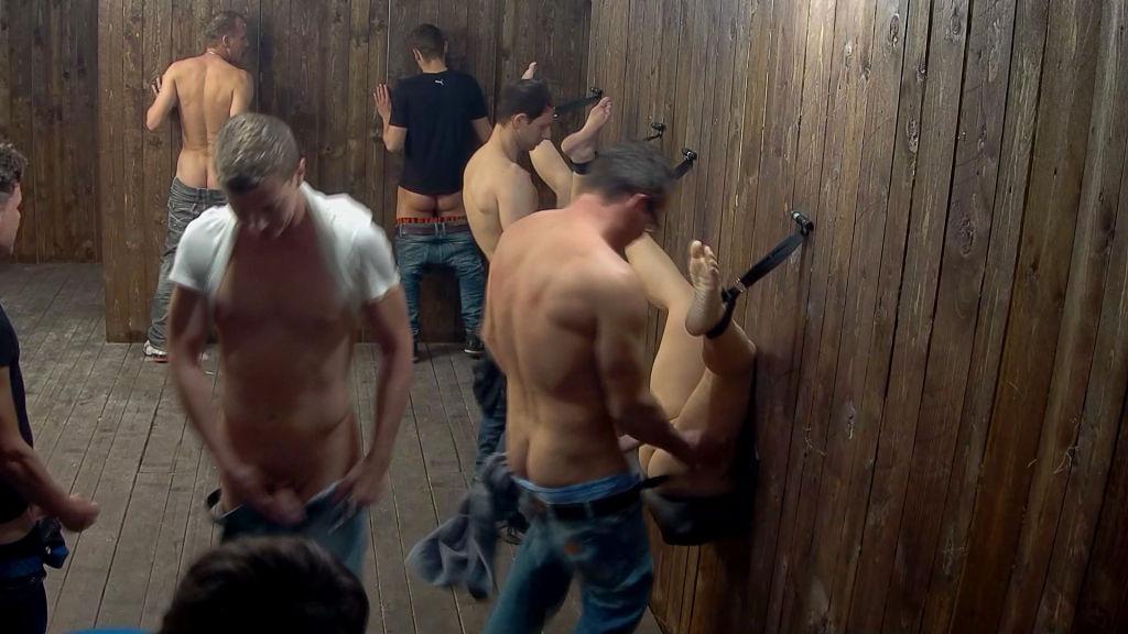 Public fuck room 2
